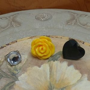 Jewelry - Set of 3 plastic chunky fashion rings - size 7